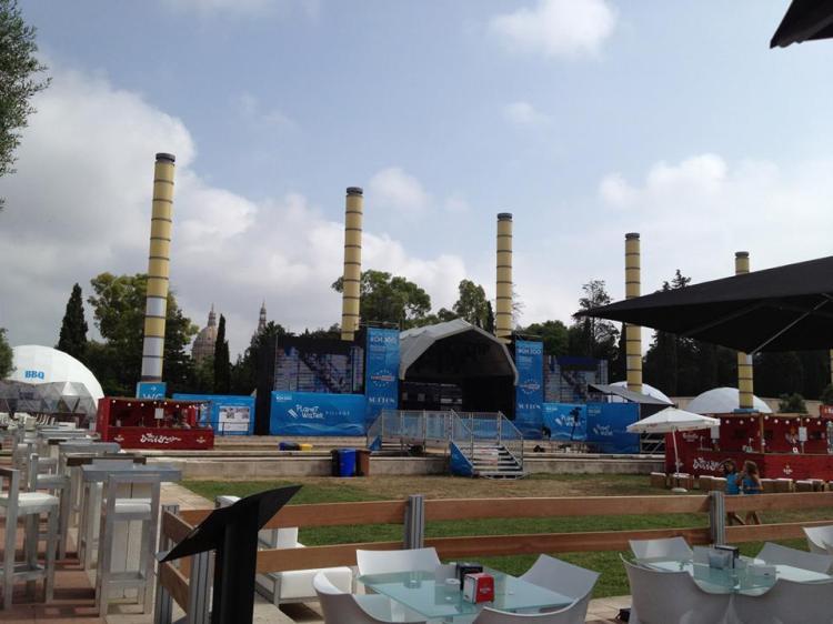 Parvis du Palau Sant Jordi - délégation des Villes Candidates aux JO 2020