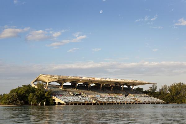 Miami Marine Stadium - vue du stade - Steven Brooke Studios