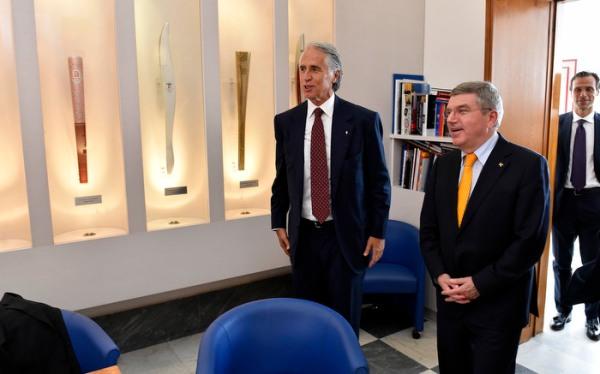 Giovanni Malago et Thomas Bach lors des festivités du centenaire du Comité Olympique Italien, en 2014 (Crédits - CONI)