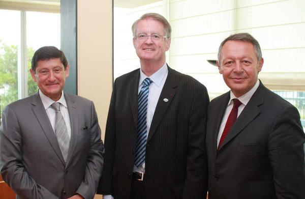 De gauche à droite, Patrick Kanner, Bernard Lapasset et Thierry Braillard (Crédits - Site du Ministère)