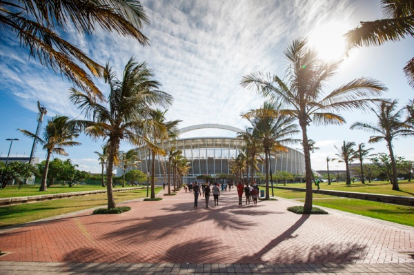 Parvis du Stade de Durban en Afrique du Sud (Crédits - Moses Mabhida Stadium)