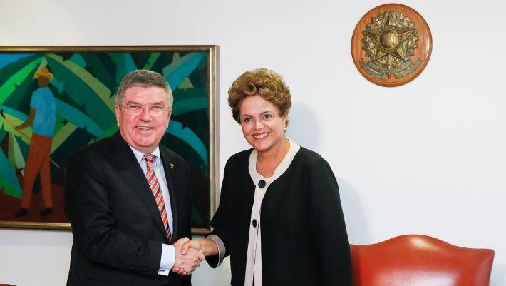 Le Président du CIO, Thomas Bach, et la Présidente du Brésil, Dilma Rousseff (Crédits – Rio 2016 / Roberto Stuckert Filho / PR)