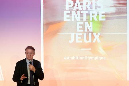 Bernard Lapasset, Président de l'Association Ambition Olympique et Paralympique, le 14 avril 2015 (Crédits - CNOSF / KMSP)