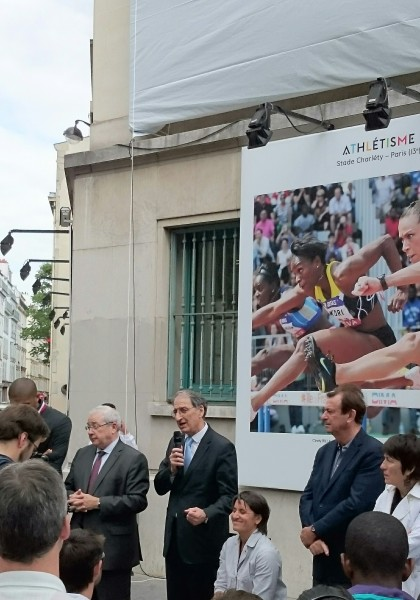 Denis Masseglia, Président du CNOSF, entouré de gauche à droite par Jean-Paul Huchon, Président du Conseil Régional d'Île-de-France et Emmanuelle Assmann, Présidente du Comité National Paralympique et Sportif Français (Crédits - Sport & Société)