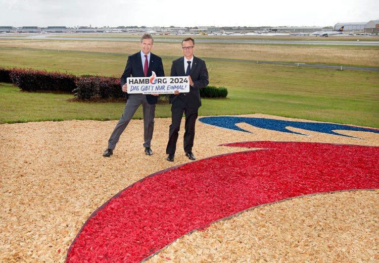 Michael Eggenschwiler et Christoph Holstein apportent leur soutien à la candidature olympique (Crédits - Aéroport de Hambourg)