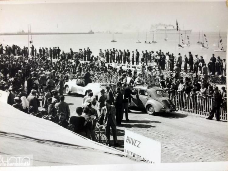 Départ du Tour de France cycliste en présence de dizaines de plaisanciers (Crédits - Paris Normandie / Le Havre Presse)