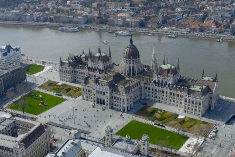 Vue aérienne du Parlement de Hongrie à Budapest (Crédits - Parlement de Hongrie)