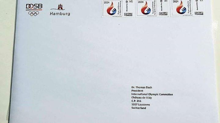 Enveloppe adressée au Président du CIO, Thomas Bach (Crédits - Wilfried Witters Sport-Presse-Fotos GmbH)