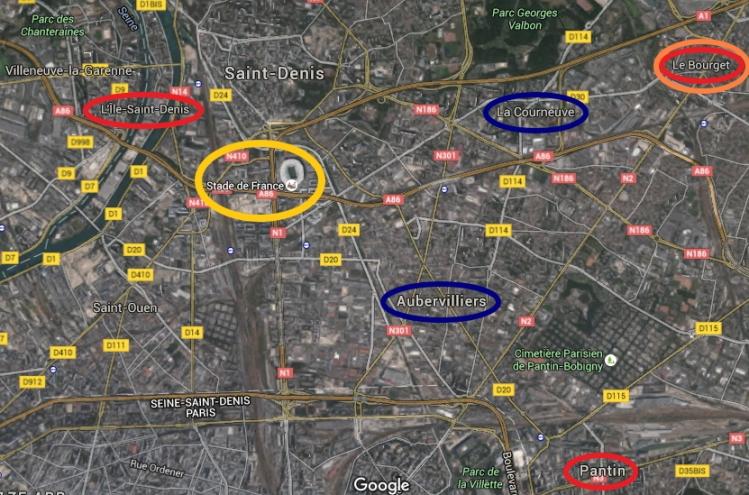Localisation du Stade de France (jaune) et territoires envisagés pour le Village Olympique (rouge) ; le Centre / Village des Médias (orange) et pour les Centres Aquatiques (bleu)