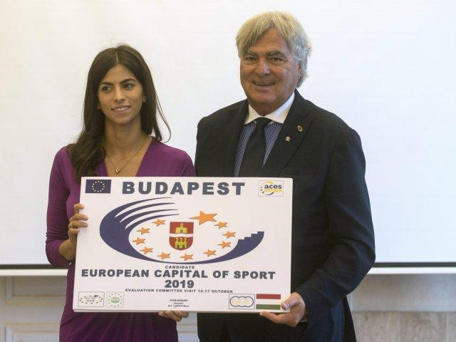 Alexandra Szalay-Bobrovniczky, Adjointe au Maire de Budapest et Gian Francesco Lupattelli, Président de l'Association des Capitales Européennes du Sport (Crédits - MTI / Kallos Bea)