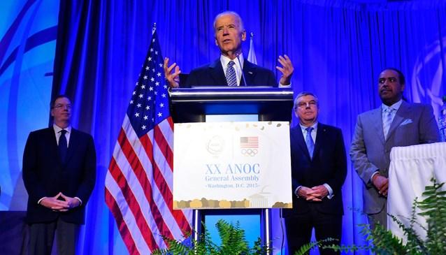 Joe Biden s'est exprimé sous le regard de Thomas Bach, Président du CIO, et de Cheikh Ahmad Al-Fahad Al-Sabah, Président de l'ACNO (Crédits - ACNO)