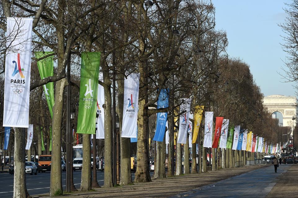 paris-2024-drapeaux.jpg