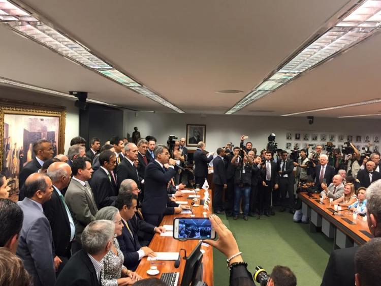 Romero Jucá a annoncé ce mardi soir le retrait du PMDB des instances gouvernementales brésiliennes (Crédits - PMDB)