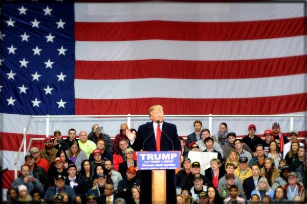 Donald Trump lors d'un meeting à Clemson (Caroline du Sud), le 10 février 2016 (Crédits - Site Internet officiel de Donald Trump)