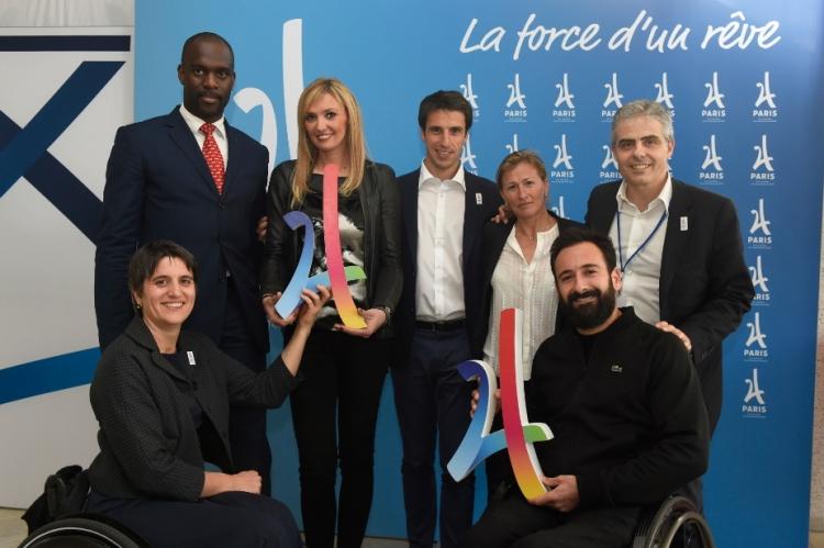 De gauche à droite, Pascal Gentil ; Victoria Ravva ; Tony Estanguet, coprésident de Paris 2024 ; Frédérique Jossinet ; Jean-Philippe Gatien, Directeur des Sports de Paris 2024 ; Emmanuelle Assmann, Président du Comité Paralympique Français ; et Michaël Jérémiasz (Crédits - KMSP / Paris 2024)