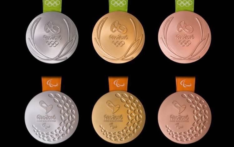 Pour les Jeux de Rio 2016, les médailles d'or ont été réalisées sans mercure, tandis que les médailles d'argent et de bronze se composent de 30% d'éléments recyclés (Crédits - Rio 2016 / Alex Ferro)