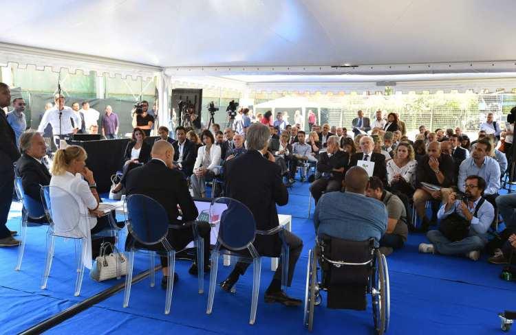 La présentation de la cartographie s'est notamment déroulée en présence de Giovanni Malago, Président du CONI ; Luca di Montezemolo, Président de Rome 2024 ; Diana Bianchedi, Directrice Générale de Rome 2024 ; et Francesco Romussi, Responsable de la partie technique de l'étude (Crédits - Ferdinando Mezzelani / CONI)