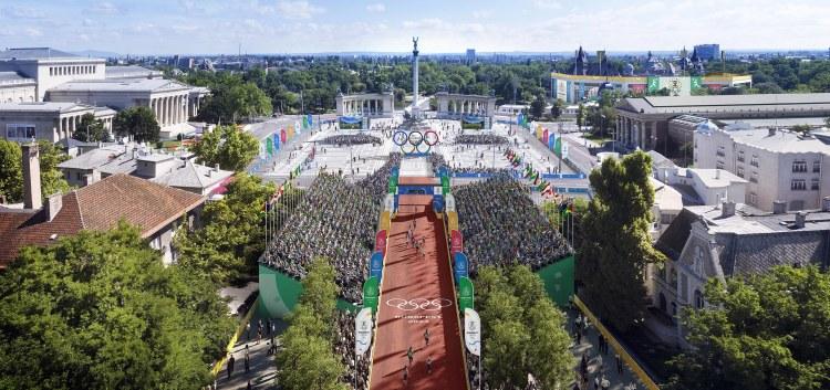 L'arrivée du marathon aurait lieu sur la Place des Héros (Crédits - Budapest 2024)