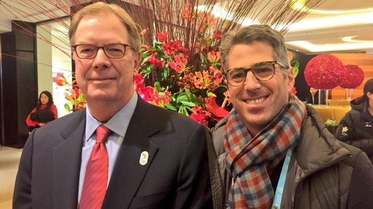 Larry Probst, Président du Comité Olympique des Etats-Unis (USOC) et membre du CIO, en compagnie de Casey Wasserman, Président de la candidature américaine (Crédits - LA 2024)