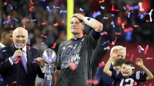 Le quaterback star, Tom Brady, après la victoire des Patriots, dimanche 05 février 2017 (Crédits - Todd Rosenberg / NFL)